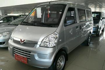 五菱 荣光 2012款 1.2 手动 基本型5-8座