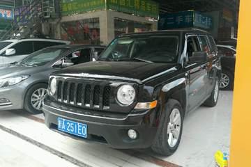 Jeep 自由客 2011款 2.4 自动 运动升级版四驱