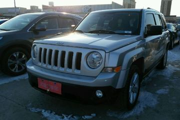 Jeep 自由客 2011款 2.4 自动 豪华版四驱