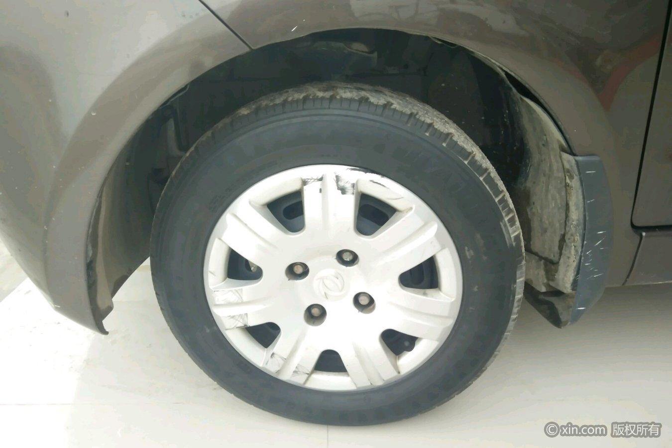 东风风光小康风光左前轮胎