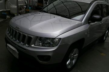 Jeep 指南者 2011款 2.4 自动 经典版四驱