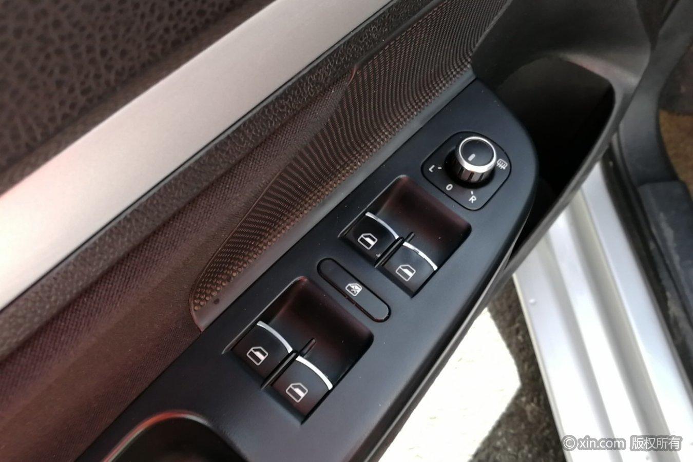 大众速腾左前车门控制键