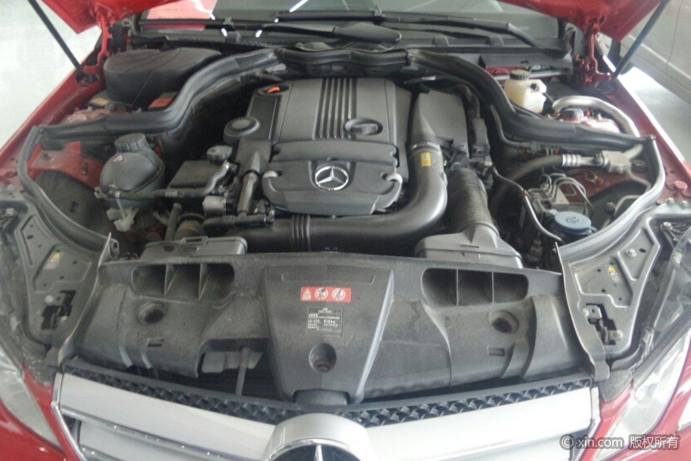 奔驰E级(进口)发动机