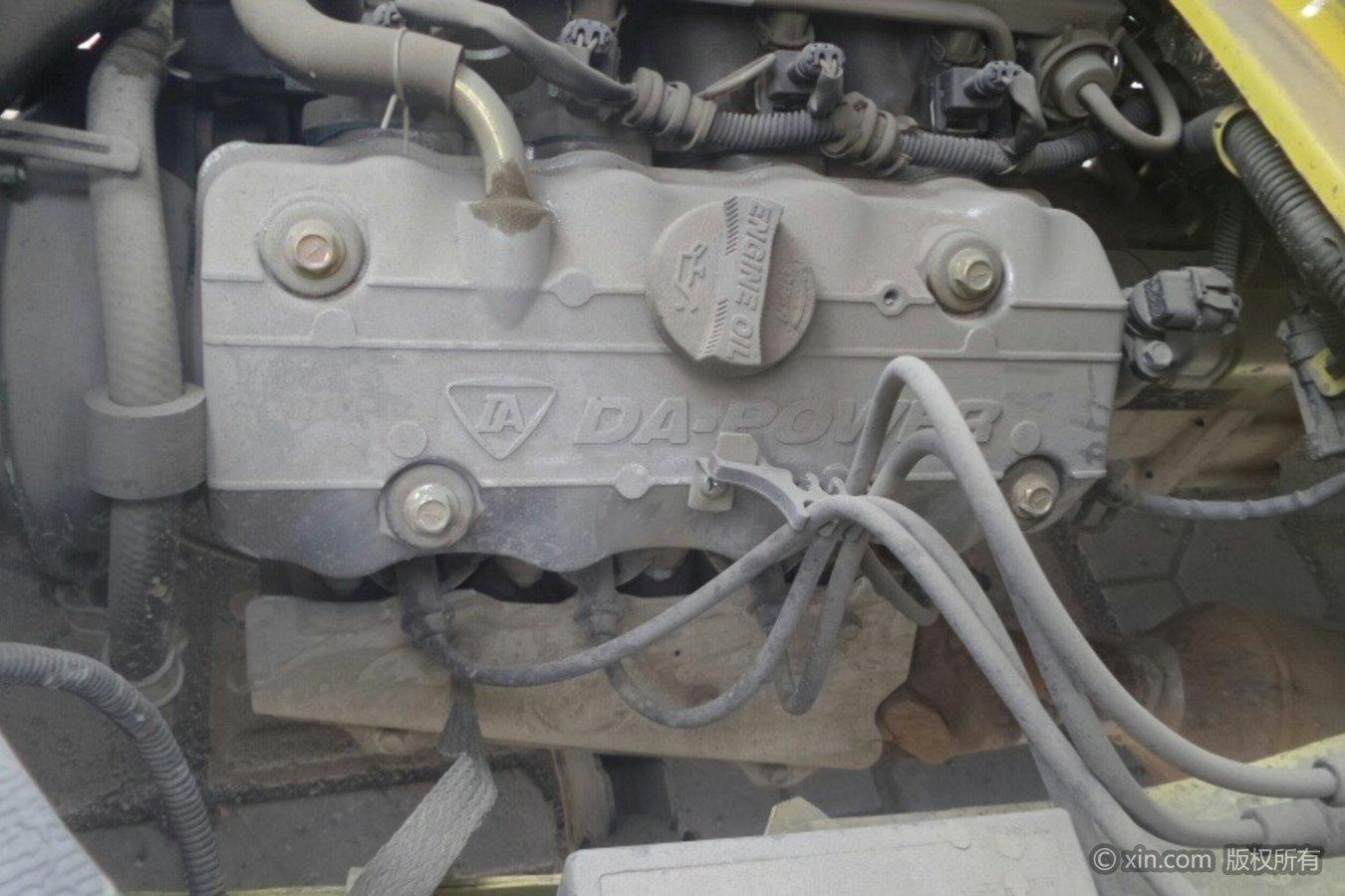 一汽佳宝V52发动机