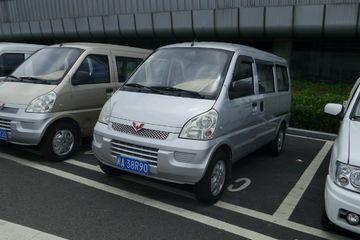 五菱 荣光 2012款 1.2 手动 豪华型8座